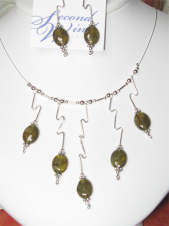 handmade gemstone necklace and earrings of green garnet