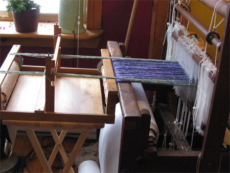rigid heddle loom as a supplementary warp beam, side view