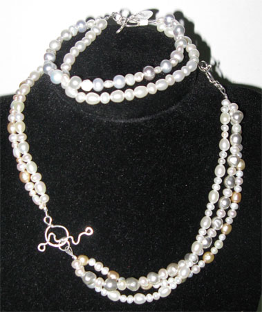 triple pearls necklace 2