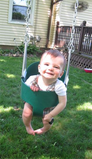R likes swinging