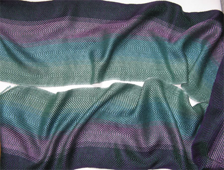 handwoven hunter color blending scarf