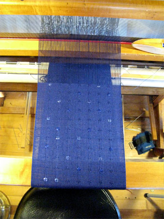 scarf with sequins on the loom