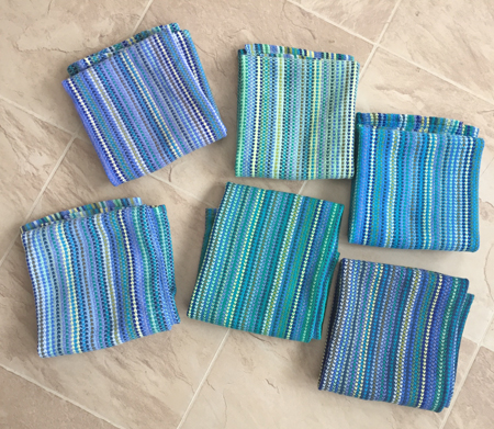 6 bumberet towels, folded square