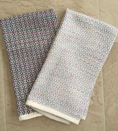 2 flower towels