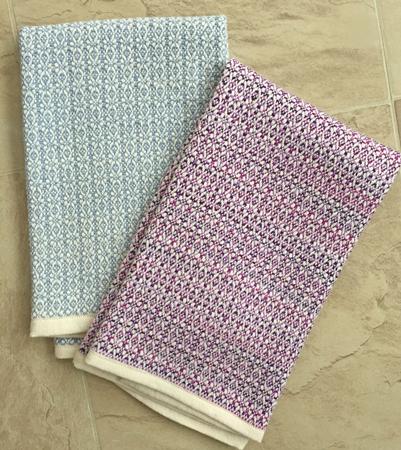 2 snowflakes towels
